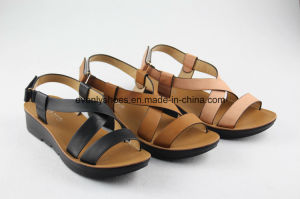 Cross Strap Design Women Shoes Flat Sandal for 2016 pictures & photos