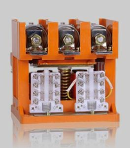 Low Voltage Vacuum Contactor for Mining Motor 630A pictures & photos