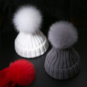 Wholesale Price Flat Knitted 100%Cashmere Raccoon Fur Ball Beanie Hats pictures & photos