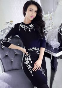 D1194 Sexy O-Neck Beaded 1/2 Sleeve Black Formal Evening Gown pictures & photos