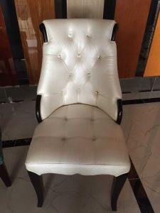 Wing Chair/Restaurant Chair/Foshan Hotel Chair/Solid Wood Frame Chair/Dining Chair (NCHC-026) pictures & photos