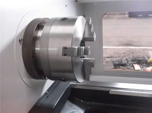 Siemens CNC Lathe Servo Motor CNC Machine (CK50/CK6150) pictures & photos