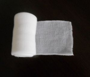 Ce ISO FDA Approved Medical PBT Bandage/PBT Crepe Self-Adhesive Bandage pictures & photos