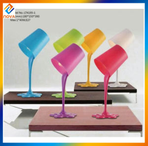 Modern Simple Style Hotel Modern Table Lamp for Home Decoration pictures & photos