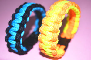 Factory Survive Parachute Cord Bracelet pictures & photos