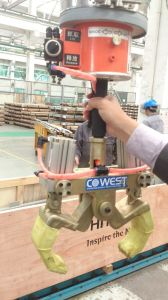 Tube Vacuum Lifter in Customized Application, Special Designed Clamps on Vacuum Lifter