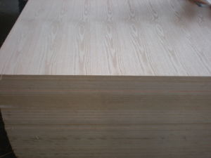 MDF with Natural Wood Veneer pictures & photos