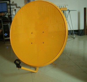 Ku 60 Band Mesh Satellite Dish Antenna with Ground Mount