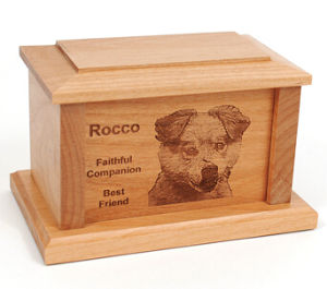 Unpainted Wooden Dog Urn with Craved Name pictures & photos