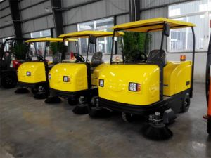 Electric Ride on Industrial Street Sweeper for Sale pictures & photos
