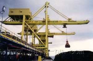 600T-1600T/H Bridge Type Grab Ship Unloader pictures & photos