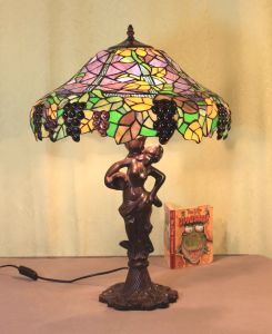 Art Tiffany Table Lamp 845 pictures & photos