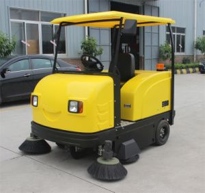 Easy Operation Vacuum Parking Lot Road Sweeper pictures & photos