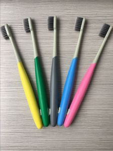 High Quality Adult Toothbrush with Bamboo Charcoal Toothbrush pictures & photos