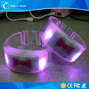 2016 Fashion Controled Flash Light LED Bracelet pictures & photos