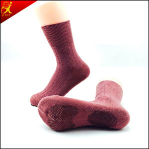 Rubber Sole Polyester Men Anti-Slip Socks pictures & photos