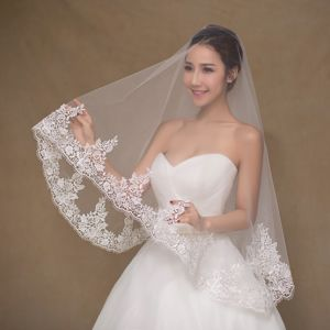 Simple Design Short Ivory Wedding Veil pictures & photos