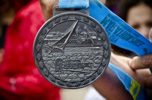 Zinc Alloy 2D Metal Souvenir Award Sport Medal with Ribbon pictures & photos
