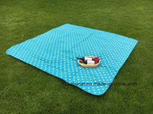 Big Waterproof Rug Indoor Outdoor Fleece Picnic Blanket with Handle pictures & photos
