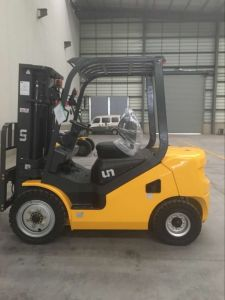 Diesel Forklift 3 Ton Diesel Forklift Chinese Xinchai C490 Engine pictures & photos