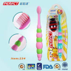 PERFECT Hot-Selling Cartoon Color Kid/Child/Children Toothbrush pictures & photos
