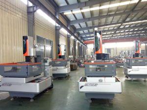 CNC Medium Speed Wire Cut EDM Machine pictures & photos