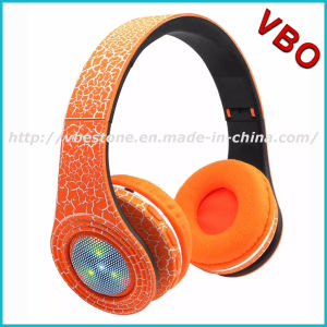 2017 New Stone Cracks Colorful Flashing Light LED Bluetooth Headphone for Christmas Promotion pictures & photos