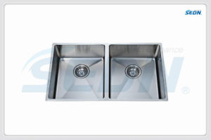 Handmade Double Bowl Stainless Steel Sink (SB2008) pictures & photos