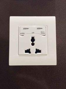 Factory Supply 2.1A Dual USB Wall Socket with Multi Socket pictures & photos