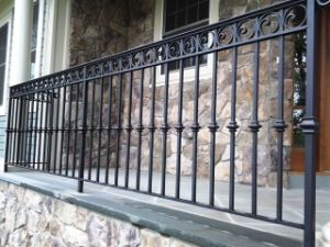 Hand-Forged Surper Quality Metal Wrought Iron Fence pictures & photos