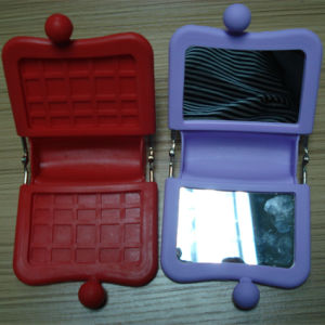 Hot Selling Square-Shape Mini Silicone Cosmetic Mirror &Mirror Bag pictures & photos