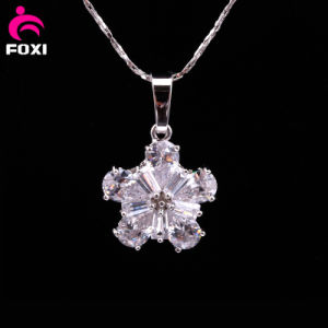 Fashion Flower Shape Pendant with Gemstone pictures & photos
