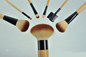 7 Pieces Custom Logo Professional Makeup Artist Bamboo Handle Makeup Brush pictures & photos