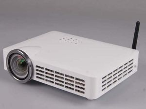 Portable LED Projector with Contrast 12000: 1 and 800 ANSI Lumens