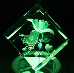 3D Laser Engraving Crystal Cube Block with LED Base pictures & photos