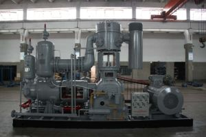 High and Medium Air Compressor/Blow Air Compressor pictures & photos