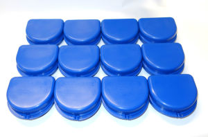 Dental Orthodontic Denture Mouth Guard Case Bleach Tray Box pictures & photos