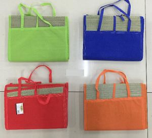Non Woven Travel Picnic Blanket Foldable Sandless Cheap Straw Beach Mat pictures & photos