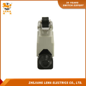 Lema Lz7121 10A 250VAC Roller Lever Limit Switch pictures & photos
