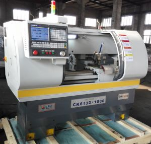 High Precision Professional Specification of CNC Lathe Machine (CK6132) pictures & photos