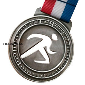Singapore Marathon Medal with Running Logo pictures & photos