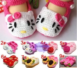 Hand Crochet Baby Knitted Footwear Toddler Shoes 0-12m First Walkers pictures & photos
