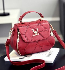 Ladies Shoulder Messenger Handbag (BDMC158) pictures & photos