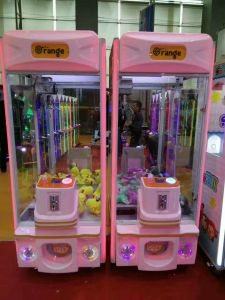 Kids Toys Crane Amusement Machine Gift/Prize Game Machine pictures & photos