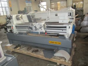 C6246 1500mm Universal Lathe Machine pictures & photos