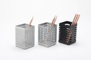 Supplies for Office Desk/ Metal Mesh Stationery Pencil Holder/ Office Desk Accessories pictures & photos