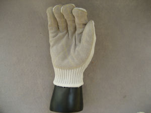 White Polyester Steel Wire Cow Split Leather Palm Glove-2366 pictures & photos