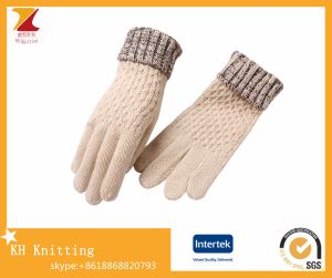 Wholesale Fashion Simple Acrylic Knitted Gloves pictures & photos