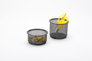 Desk Items/ Metal Mesh Stationery Pencil Holder/ Office Desk Accessories pictures & photos