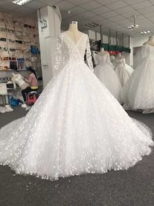 Aolanes Real Sample Bridal Wedding Gown pictures & photos